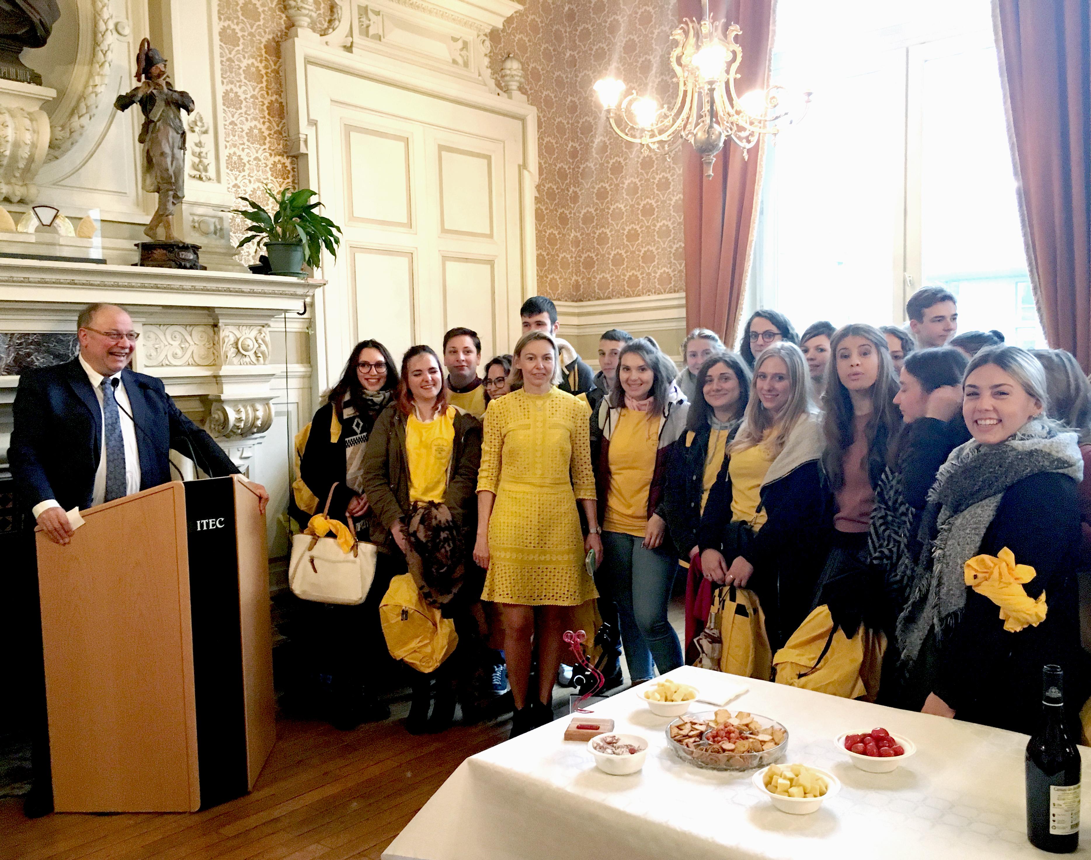 Amélie Morel et les étudiants