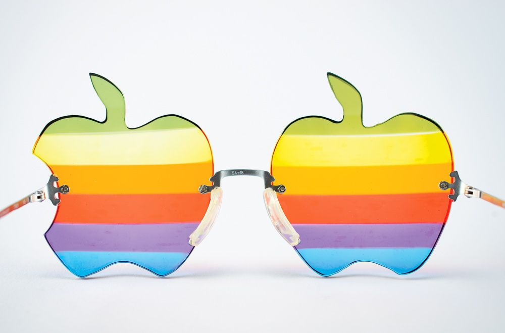 apple_glass_1979.jpg