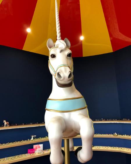 Espace enfant en forme de chapiteau de cirque