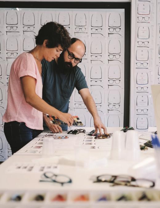 Le client peut personnaliser ses lunettes que les nouvelles machines réaliseront ensuite