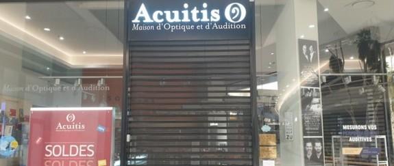 Magasin fermé dans la galerie marchande...