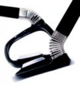 Undostrial donne du 'ressort' à ses montures et lance un modèle d'exception en fibre de carbone