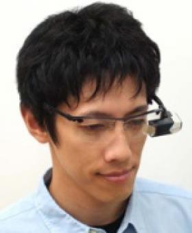 Des lunettes projetant des images directement sur la rétine commercialisées en 2010
