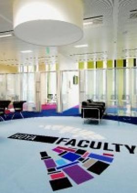 La Hoya Faculty ouvre ses portes pour aider les professionnels de la vision dans leur quotidien