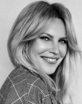Katharina Schlager prend la direction de Cazal Eyewear