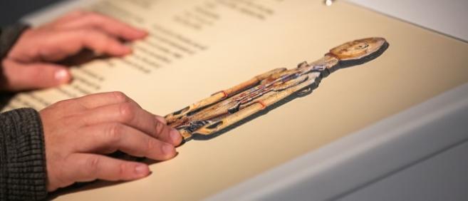 5 œuvres sont présentées sous la forme d'interprétations tactiles © mikli diffusion france 2019 - photo : Luc Marciano