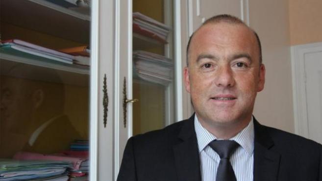 Le député Thierry Benoit défend la filière à l'Assemblée face à Arnaud Montebourg