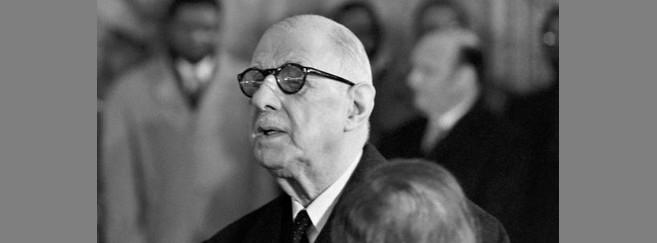 Charles de Gaulle ne portait que très rarement ses lunettes. Ici en 1969, quelques semaines avant qu'il ne quitte le pouvoir