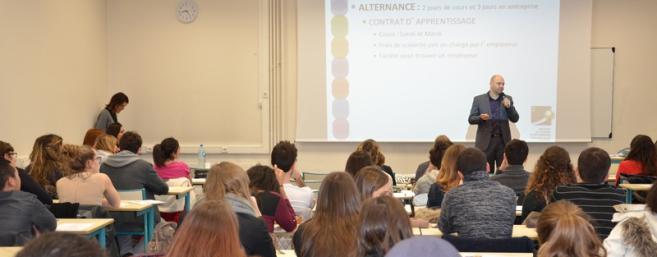 La Licence Commerce et Vente en Optique Lunetterie forme les étudiants au poste de manager