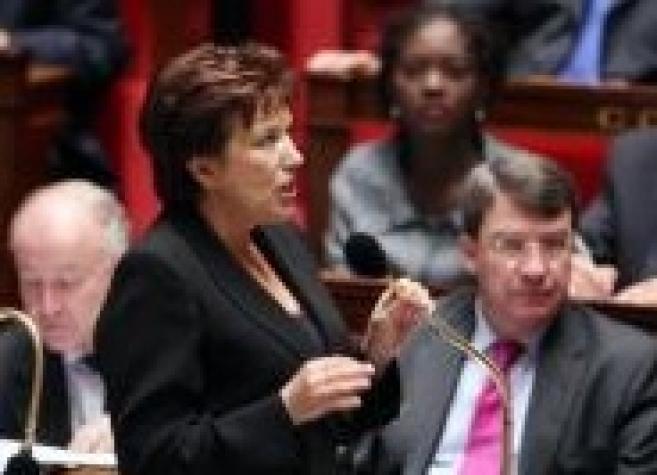 Déremboursement : face à la grogne, Roselyne Bachelot revient sur ses propos