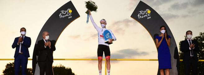 Lors du Tour de France 2020, le maillot blanc sponsorisé par Krys avait été remporté par Tadej Pogacar, également vainqueur du classement général