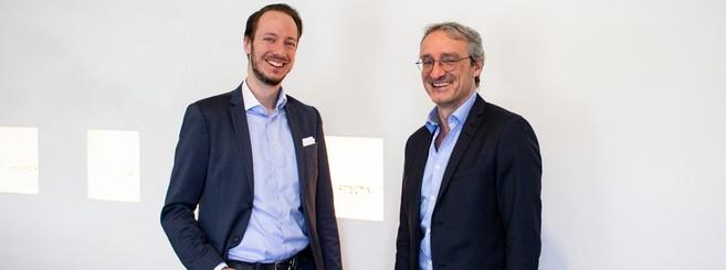 Sven Reiss, directeur général de Flair (à gauche) et Werner Paletschek, directeur général d'OWP (à droite)