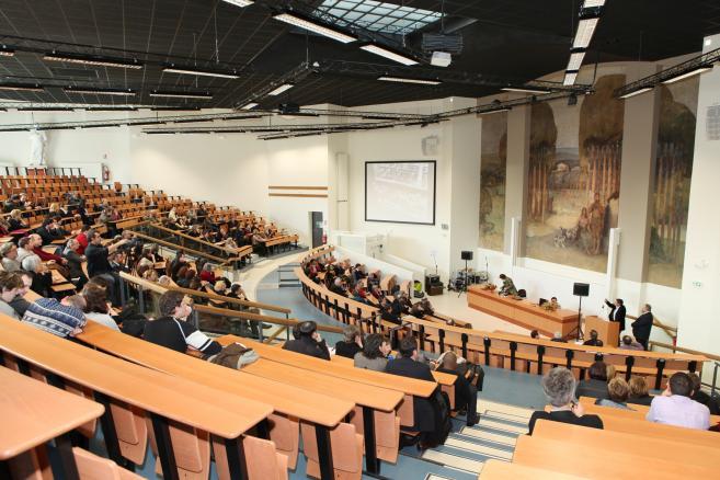 Réforme de la formation : vers une 'universitarisation maîtrisée' et une redéfinition des programmes