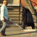 Malvoyants et aveugles: cette canne blanche intelligente peut les guider