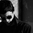 Carrera développe sa collaboration avec l'acteur américain Jared Leto