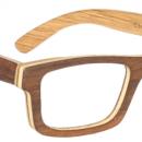 Les créateurs utilisent la technique du « lamellé-collé » pour la fabrication de lunettes en bois