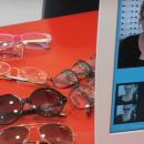 Le « miroir digital à mémoire » rend l'essayage des montures ludique et efficace