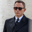 James Bond: les lunettes Tom Ford et plusieurs produits du dernier opus mis aux enchères