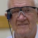 Première mondiale: un patient atteint de DMLA retrouve la vue grâce à un oeil bionique Argus II