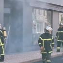 L'alarme anti-intrusion déclenche un important nuage de fumée dans un magasin Optic 2000