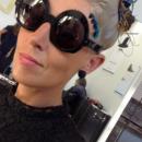 Quand un lunetier rencontre une plumassière pour créer des montures audacieuses