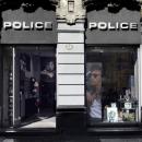 Premier magasin Police à Milan