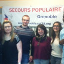 Les futurs opticiens du lycée Argouges équipent des personnes du Secours Populaire français