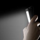 Quand regarder son Smartphone dans le noir peut rendre temporairement aveugle