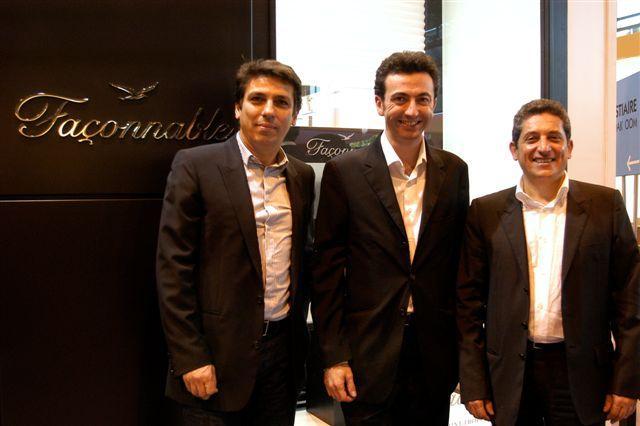 L'humoriste Gérald Dahan en compagnie ed Guy Azoulay (à gauche) et de Françis Kessous directeurs de ODLM