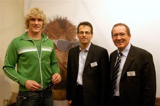 Le rugbyman Rémy Martin sur le stand Charmant pour le lancement ed la collection Puma