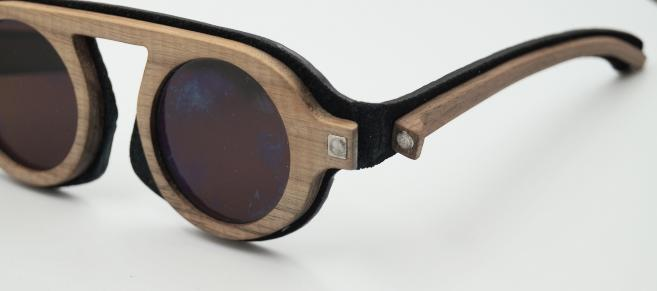 Projet lunettes cuir et bois : Nicolas Kaufmann (ENSAAMA), Guillaume Doux (KEDGE) et Romain Delegue (STRATE) – prototypé par l'association ALUTEC