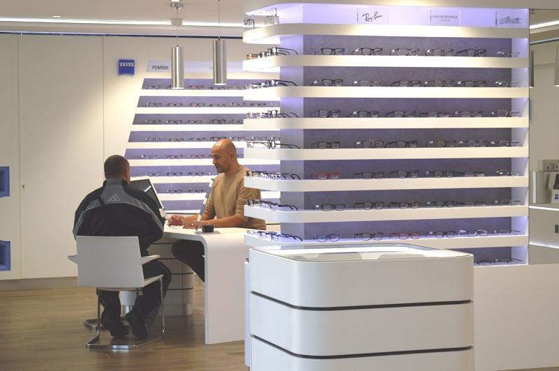 Le magasin Hugo Optic conserve son indépendance dans le choix des marques de lunettes et son organisation interne
