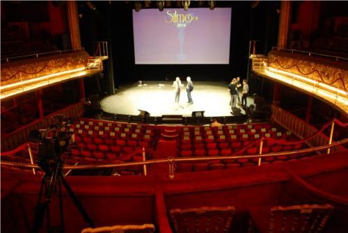 Préparatifs avant le lancement de la soirée des Silmo d'Or aux Folies Bergères