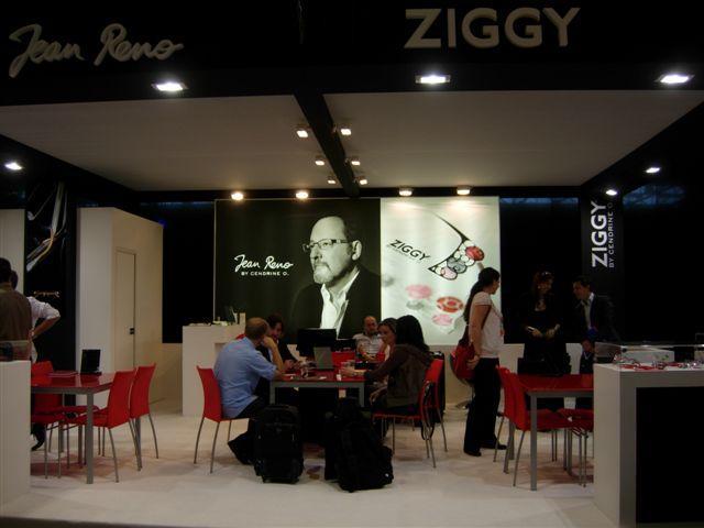 Stand Socodeix avec les marques Jean Reno et Ziggy