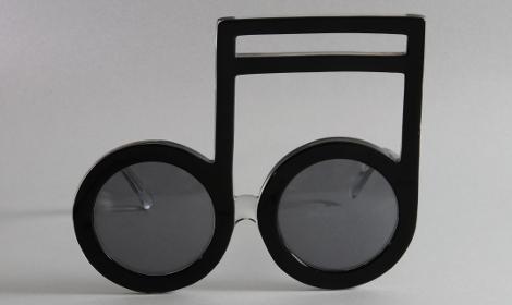 Monture en forme de notes de musique - Elton John