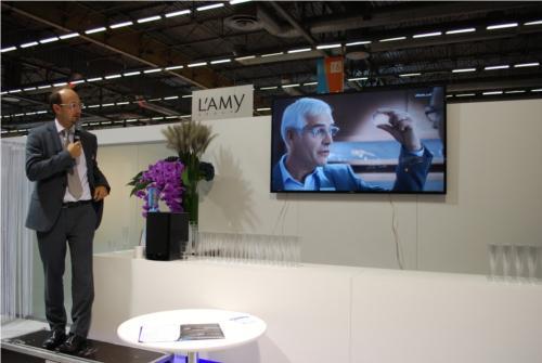 Ludovic Mathieu (DG d'Essilor France) présente la nouvelle campagne publicitaire du groupe pour soutenir les opticiens dans leur travail quotidien...
