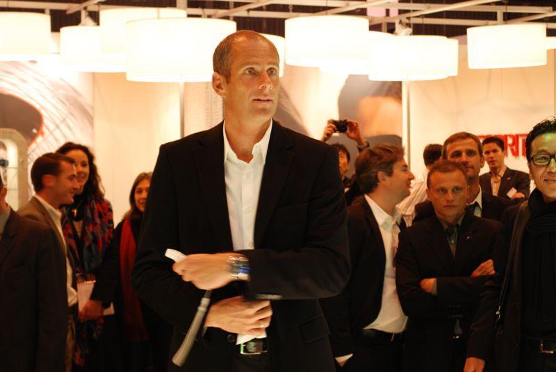 Guy Forget present sur le stand Charmant pour Lacoste