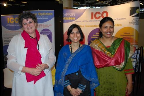 Claude Delhomme (ICO) aux côtés des représentants du Lotus College of Optometry et de l'Université de Chitkara