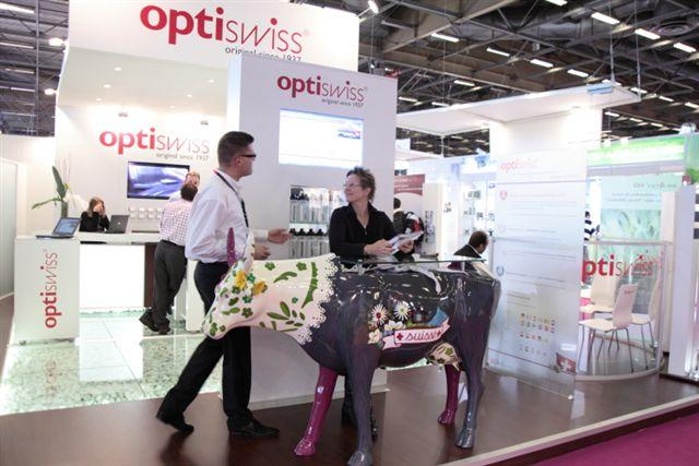 Table moderne chez Optiswiss