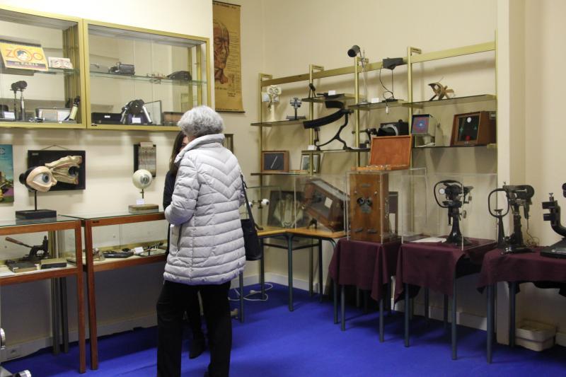 L'ICO a ouvert dans les années 1980 le musée de l'optométrie qui expose des collections anciennes de lunettes de vue, des instruments de mesure visuelle, des machines et des outils de lunetterie. ©Acuité 2017