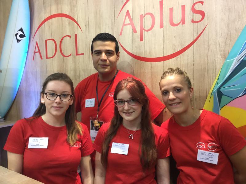 Les étudiants de Fresnel en renfort sur le stand ADCL Aplus