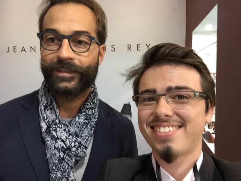 Vincent accompagné d'un designer JF Rey