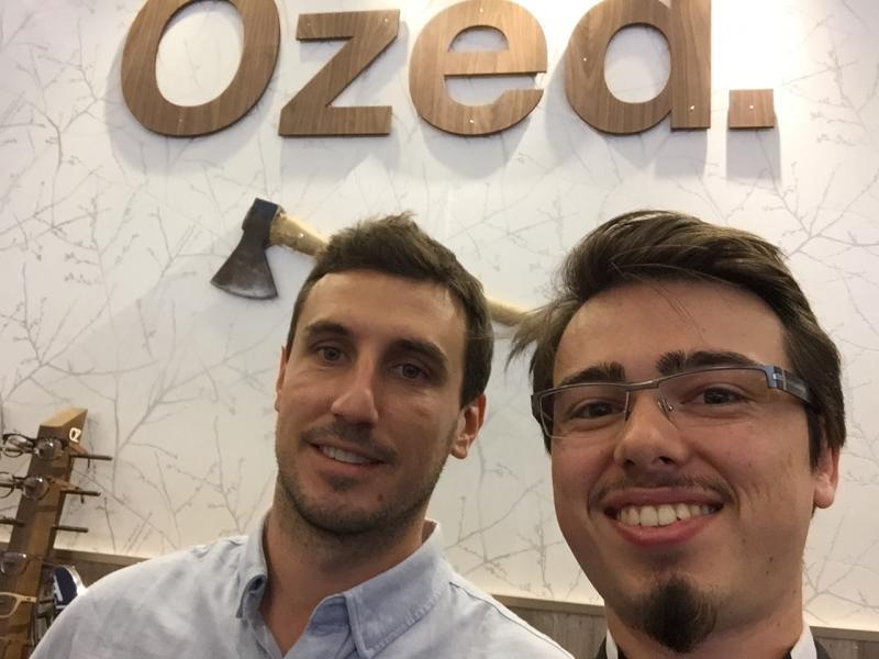 Stand Ozed avec Baptiste Notter pour le lancement de lunette en bois haut de gamme
