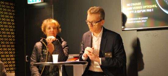 De gauche à droite : Barbara Ameline, chirurgien ophtalmologiste à l'Hôpital des Quinze-Vingts à Paris et Christophe Chebac, président de BBGR – Nikon