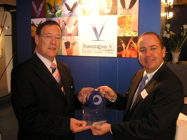 Roger Düning de Novacel reçoit le prix Transitions des laboratoires de surfaçage