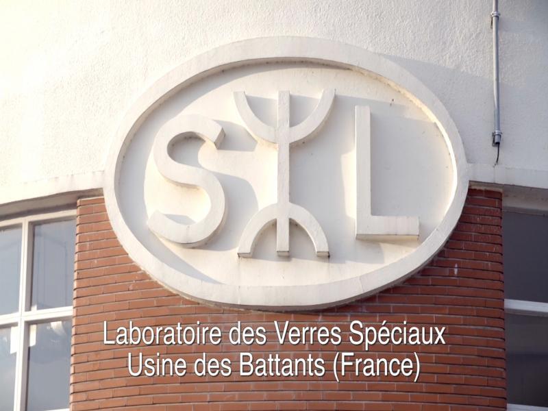 Site historique, le laboratoire des Battants, situé à  Ligny-en-Barrois (55), a appartenu à la Société des Lunetiers (SL Lab) et a démarré ses activités en 1849. Le premier Varilux y a été produit. Aujourd'hui spécialisé dans la fabrication des verres spéciaux, il a été renommé Special Lenses Laboratory.