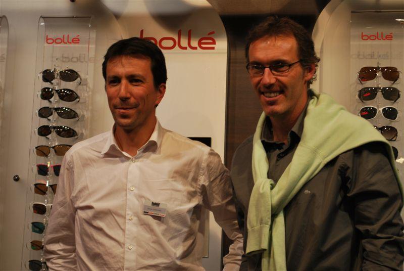 Olivier Ciaravino, Président Europe de Bushnell Outdoor Products, pose avec Laurent Blanc pour la marque Bollé