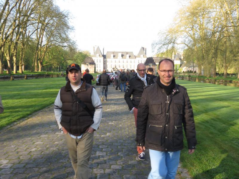 Au premier plan, Fabrice Thiaudière, responsable Grands Comptes chez L'Amy, Alexandre Ponchel opticien à Brunoy et François Petorin de La Rochelle