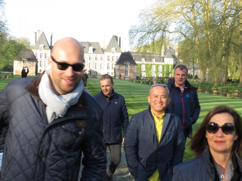 François Quesney, opticien à Saint Gilles Croix de Vie, Eric Bardet, opticien à l'Isle Adam, Roger Dussol opticien à Menton et sa femme Catherine