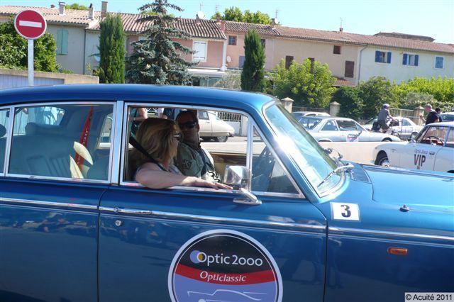 Opticiens et ophtalmologistes dans les voitures de l'Optic Classic